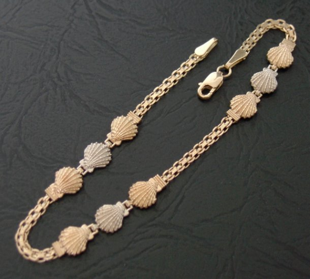 14kt Gold Sea Shell Link Bracelet