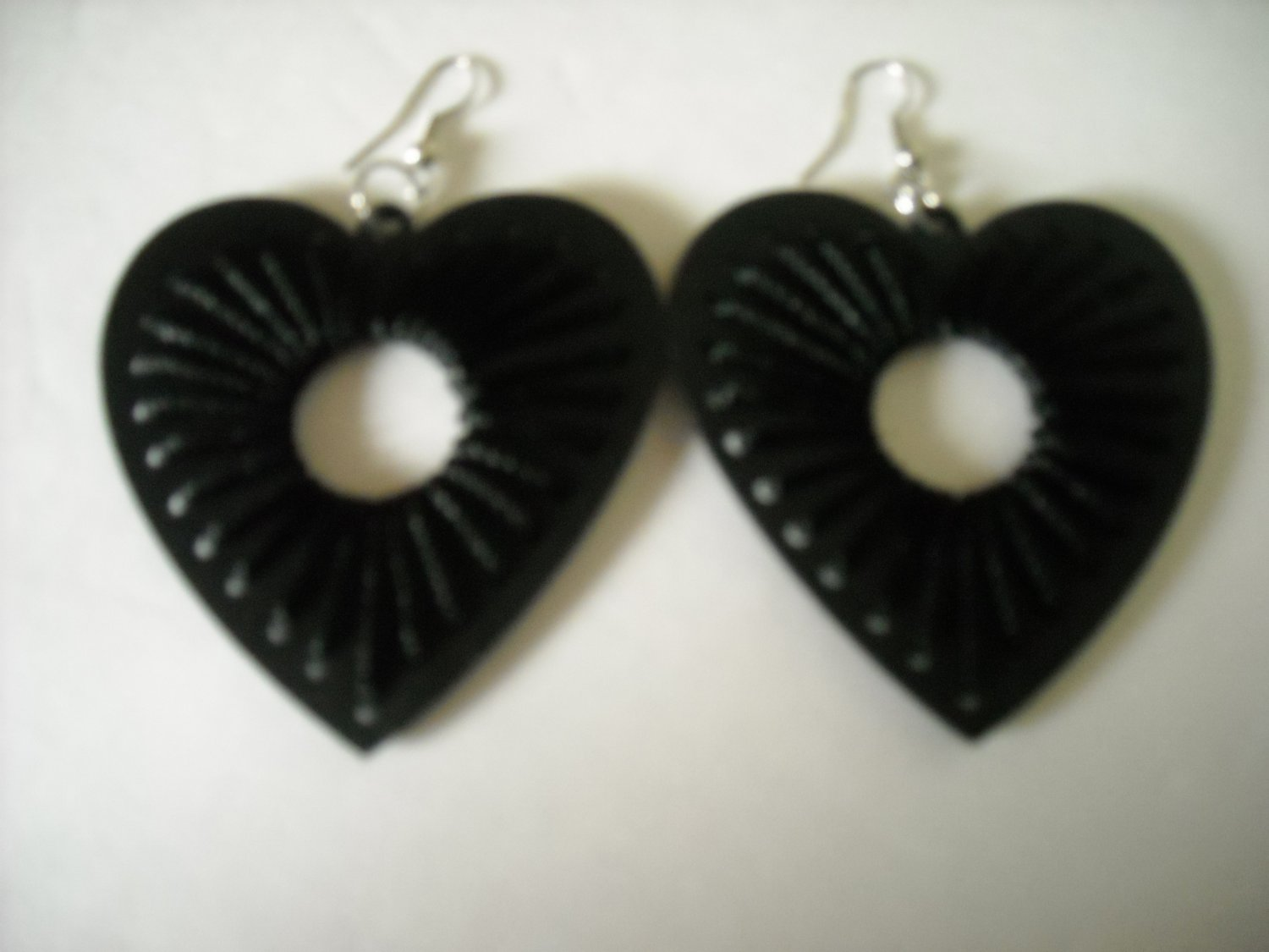 HEART SHAPE BLACK WOOD EARRINGS (NEW)