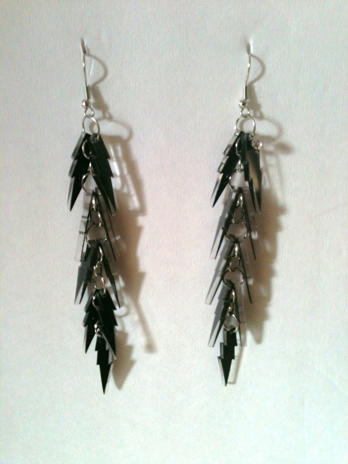 BLACK GLITTER LIGHTNING BOLT EARRINGS ON SILVER CHAIN (NEW)