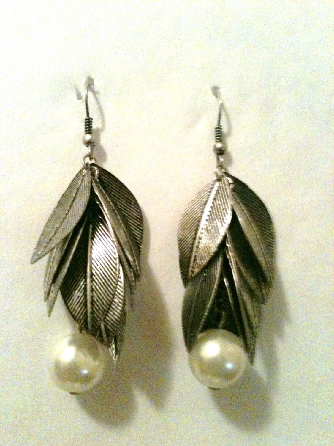 ANTIQUE SILVER LEAF EARRINGS WITH PEARL (NEW)