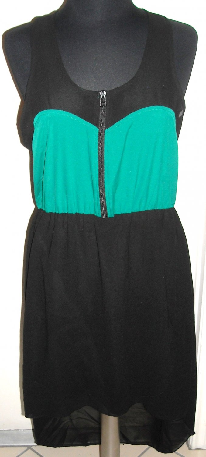 INDULGE GREEN AND BLACK HI-LOW DRESS SIZE XL (NEW)
