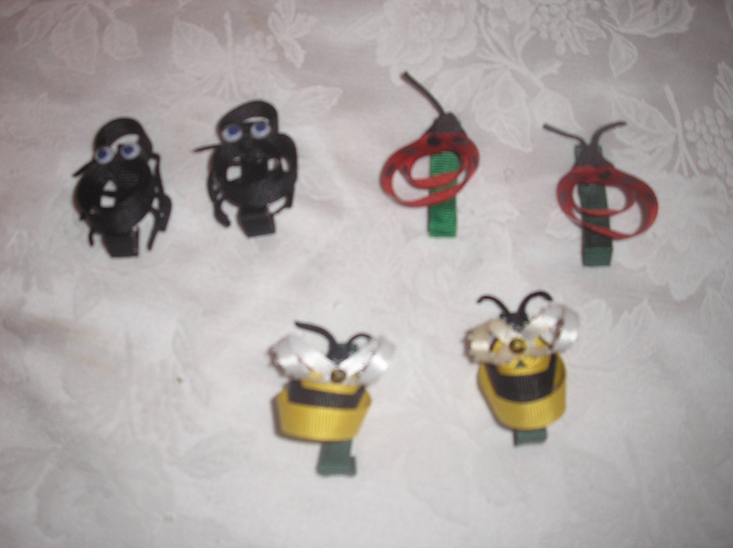 "LOT OF 6 LIL BUG BOW 2"" CLIPPIES 3 SETS LADYBUGS BEES SPIDERS BOUTIQUE HANDMADE"