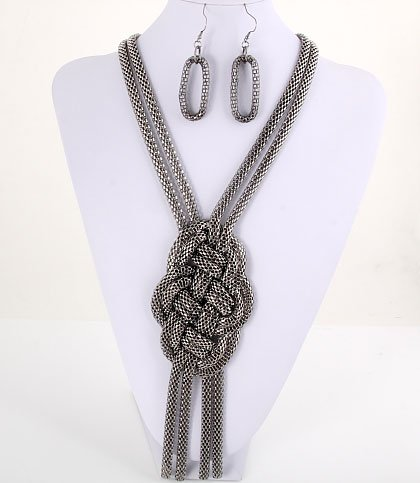 All tied Up! Necklace Set