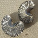 "Clip-on Fan  Half circle Ginko Leaf Shaped Earrings Silvertone Leaves 1.5""x.75"""