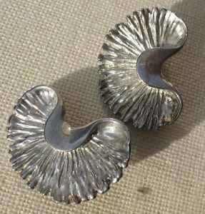 """Clip-on Fan  Half circle Ginko Leaf Shaped Earrings Silvertone Leaves 1.5""""x.75"""""""