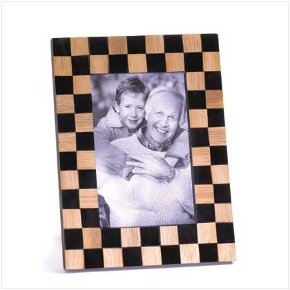 CHECK DESIGN WOOD PHOTO FRAME