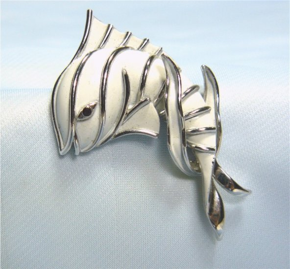 *Crown Trifari Fish Brooch/Pin:  Cute and Sassy in White and Silvertone