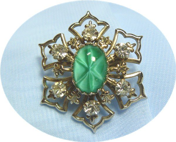"*Vintage Brooch/Pin: Unusual Green ""Star"" Glass Stone, Sparkling Rhinestones, Goldtoned Mounting"