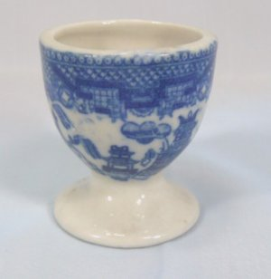 Vintage Single Egg Cup:  Blue Willow Pattern, Marked Japan