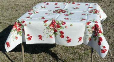"""Vintage Wilendur Strawberries Full-size 54"""" Square Tablecloth, Great Condition"""