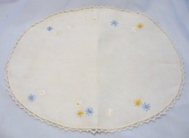 Vintage Oval Linen Table Scarf with Tiny Embroidered Daisies/Dainty Crochet Style Edge