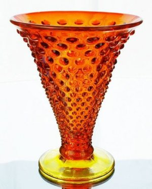 FENTON Art Glass HOBNAIL Flare VASE ORANGE SLICE NEW
