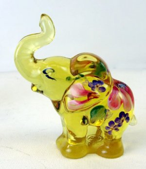 FENTON Glass BUTTERCUP YELLOW Elephant Figurine 5158 ZO Handpainted Signed