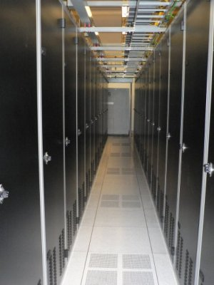 Orange County Colocation 1U server + 5 mbps