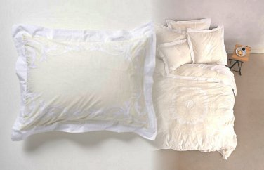 2 Pcs Anthropologie Cream Enes Standard Shams Medallion Bedding Cotton Percale
