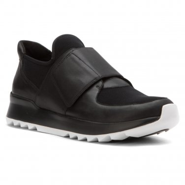 $225 Eileen Fisher Wing Sneaker 8 Black Mesh Panels