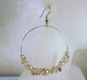 Light Tan Glass Pearl and chip beaded hoop Earrings