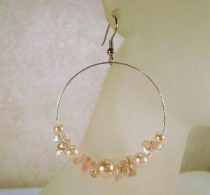 Light Peach Glass Pearl and Chip Beaded Earrings