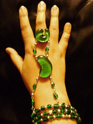 Emerald Green Bead and Mosaic Glass Slave Bracelet