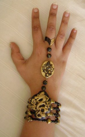 Black & Golden Dragon Slave Bracelet - click for pics!!!