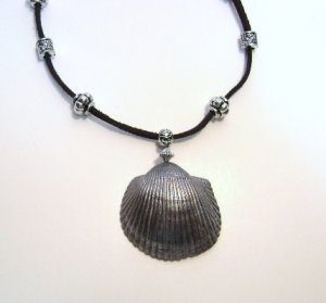 Genuine Sea Shell Pendant Necklace - Gunmetal gray