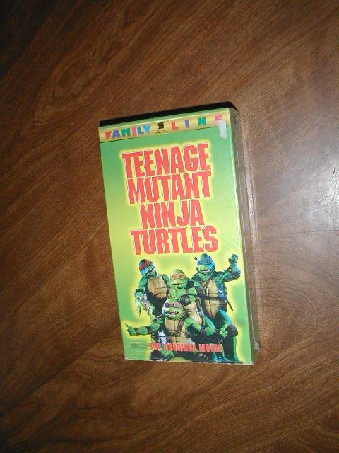 Teenage Mutant Ninja Turtles - VHS The Original Movie (1990) Judith Hoag Elias Koteas