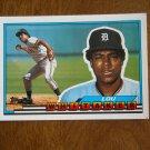 Lou Whitaker - Louis Rodman Whitaker Second Base Card No. 22 - 1989 Topps Baseball Card