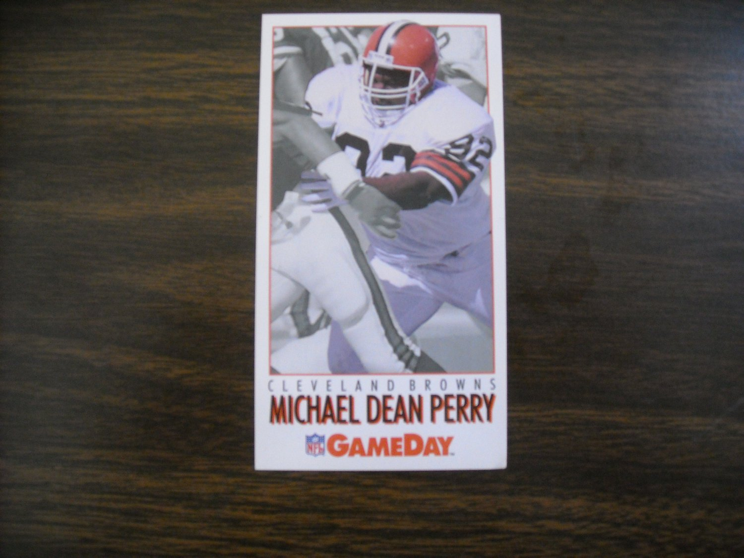 Michael Dean Perry Cleveland Browns Card No. 302 - Game Day 1992 National Football Card