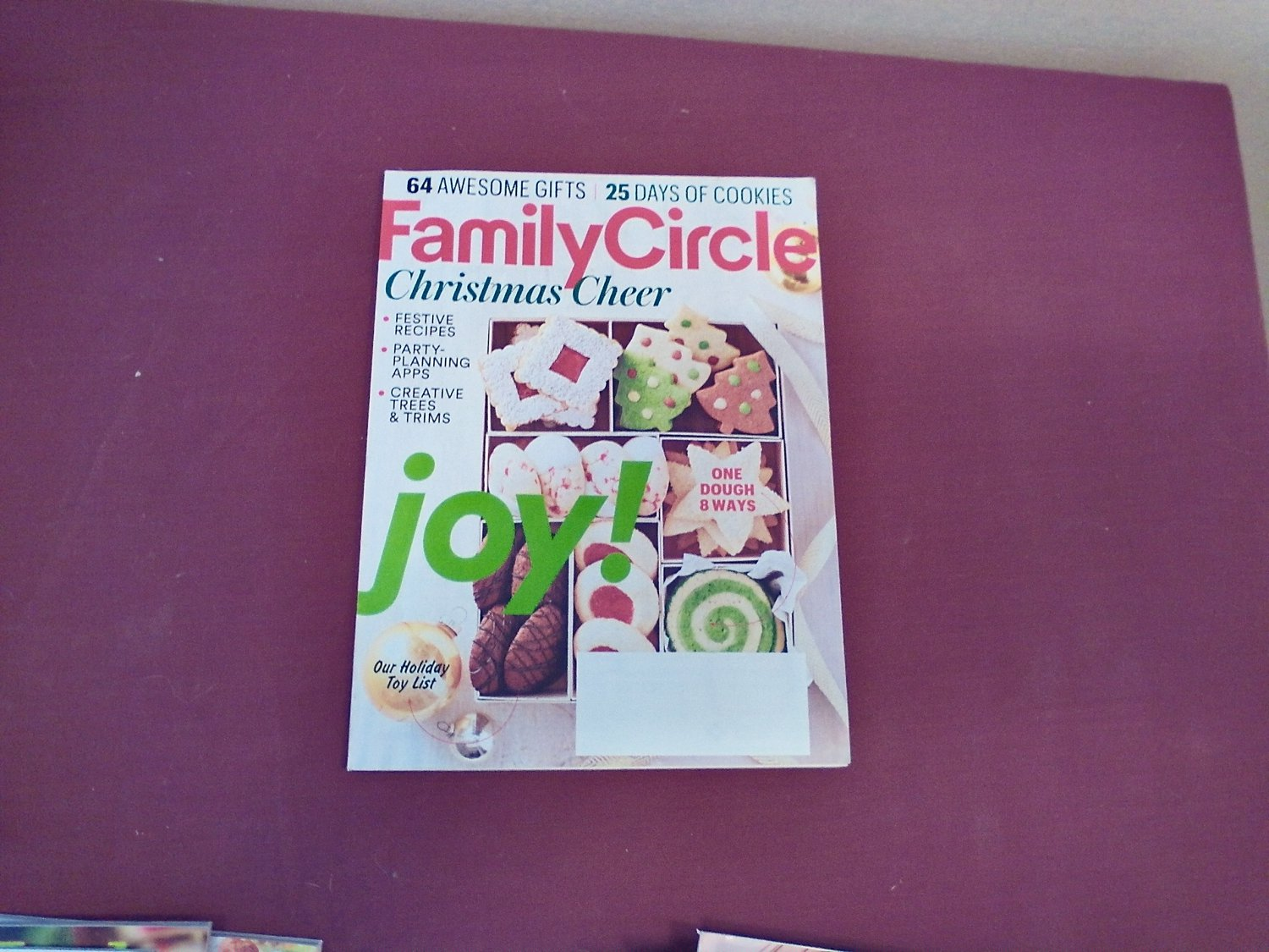 Family Circle Magazine December 2016 Volume 129 Number 12 - Christmas Cheer