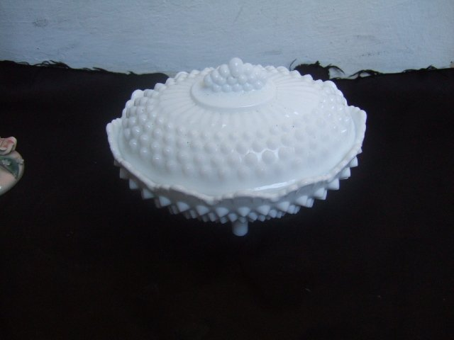 Fenton Two Piece 4 Footed Bowl 5.5 Inches Tall