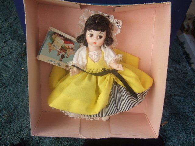 Madame Alexander World Doll #590 France 7.5 Inches Tall