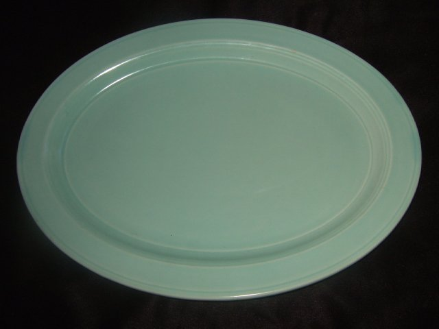 Vernon Kilns Lime Green Oval Serving Platter 14 Inches Long
