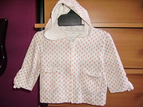 CW32: 6-9mos Baby Gap Hooded Zipped Jacket