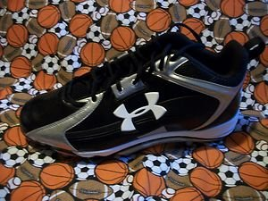 UNDER ARMOUR SIZE 16  COMBAT FOOTBALL CLEATS BLACK /SILVER   N.W.O.B.