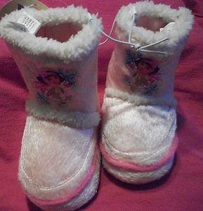 DORA the EXPLORER Fleece Slipper Boots childrens NWT size 6