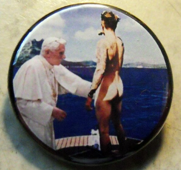 """POPE BENEDICT BLESSES JUSTIN BIEBER pinback button badge 1.25"""""""