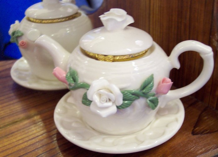 Teapot with Roses Trinket Box