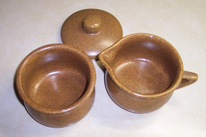 Mint Condition Covered Sugar & Creamer Set Western Stoneware Monmouth Ill location21