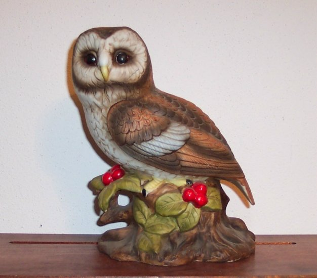 ARDCO Owl Figurine Made in Taiwan Fine Quality Dallas Numbered C - 3720 loc21 owl1