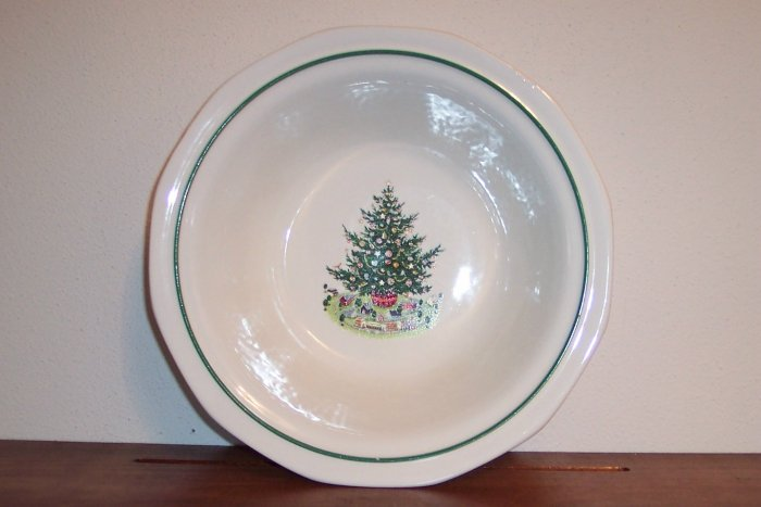 "Pfaltzgraff 9"" Round Vegetable Serving Bowl Christmas Heritage Dinnerware Dishes locw18"