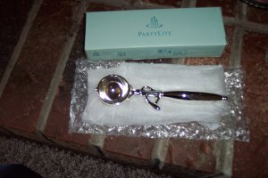 Vintage Partylite P7625 Ice Cream Scoop Snuffer Party Light Candle Accessory