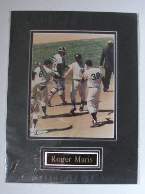 "ROGER MARIS/ New York Yankees/HOT SHOTS USA, INC./ 12"" x 16"" Double Matted Photo"