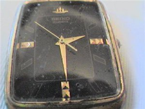BLACK DIAL SQUARE SEIKO QUARTZ WATCH NEEDS GLASS