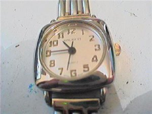 UNUSUAL SQUARE MAURICES LADIES QUARTZ WATCH RUNS