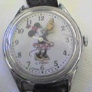 RARE CUTE MINNIE MOUSE LADIES WATCH RUNS HAS CRACK 4FIX