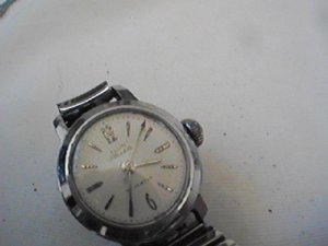 VINTAGE ELGIN 17 JEWEL STARLITE LADIES WATCH RUNS FAST