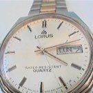 METAL LORUS DAY DATE QUARTZ MANS WATCH RUNS