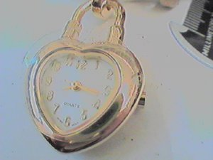 UNUSUAL JAPAN QUARTZ HEART PENDANT QUARTZ WATCH RUNS