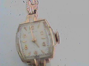 VINTAGE WITTNAUER LADIES COCKTAIL WATCH RUNS 4U2FIX