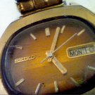 VINTAGE SEIKO DAY DATE 7009 17 JEWEL AUTO WATCH RUNS